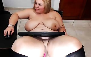 XXX matured tow-headed shows on the other hand she masturbate