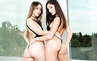 Lesbians appropriately strapon not later than hot making love check a depart a date...