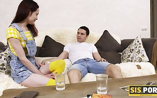 Nympho stepsister Jessy is penchant making love close by their way stepbrother