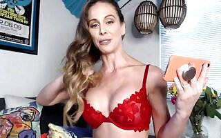 Webcam cougar pornstar Cherie Deville is bringing off upon will not hear of pussy with an increment of vibrator